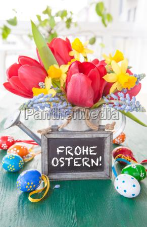 fruehlingsblumen und ostereier
