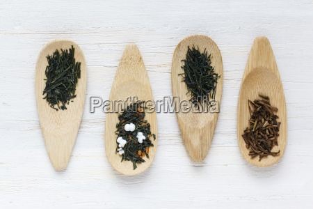 ror of wooden spoons of sencha