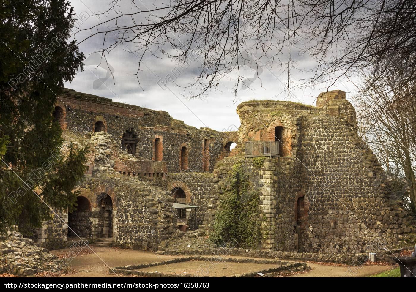 deutschland, düsseldorf, ruinen, des, kaiserhauses, in, kaiserswerth - 16358763
