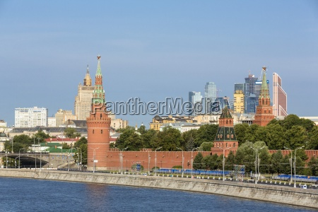 russia moscow river moskva kremlin wall