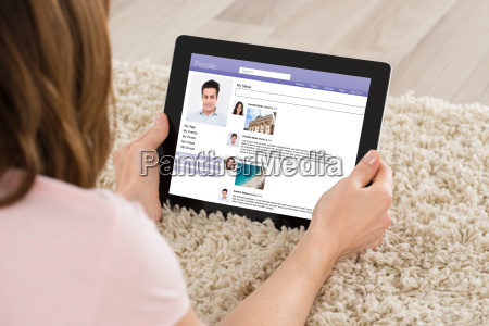 woman chatting on social website