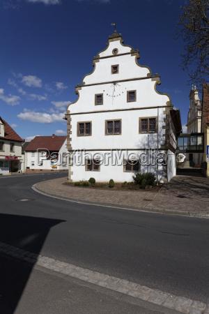 historisches rathaus in grettstadt landkreis