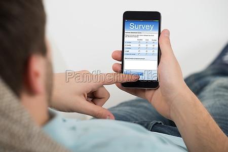 man ausfuellen von online umfrage formular