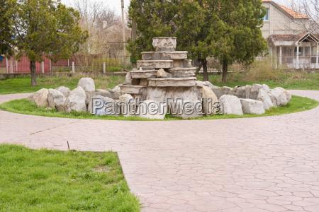 haus gebaeude kultur park zerbrochen fontaene