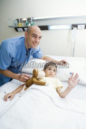 arzt mediziner medikus lachen lacht lachend