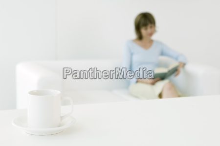 frau frauen freizeit entspannung innenraum person