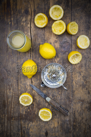 freshly squeezed lemon juice lemon squeezer