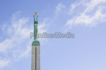 lettland riga freedom monument
