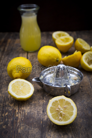 freshly squeezed lemon juice lemon