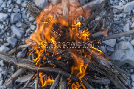 lagerfeuer aus treibholz