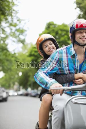 freundschaft stadt stadtleben vorderansicht tags tagsueber