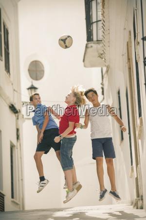 freundschaft spiel spielen spielend spielt springen