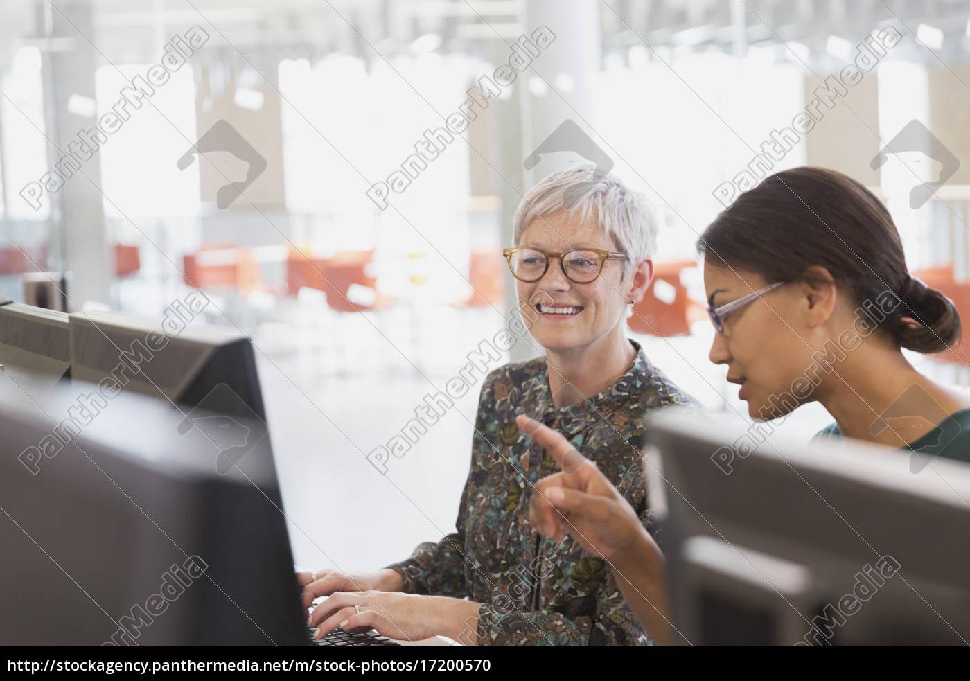 frauen, an, den, computern, in, der - 17200570