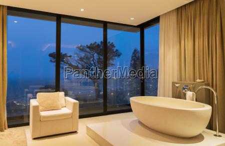 sessel lehnstuhl entspannung fenster luke glasfenster