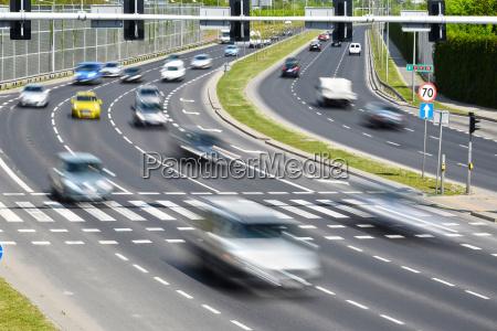 sechs spur einbahnstrasse in der polnischen
