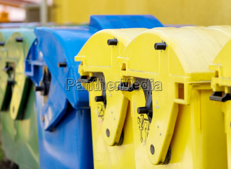 recyclingbehaelter muellsortierung