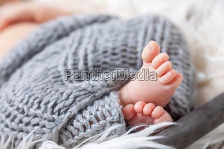 schoene neugeborenes baby zehen in einem