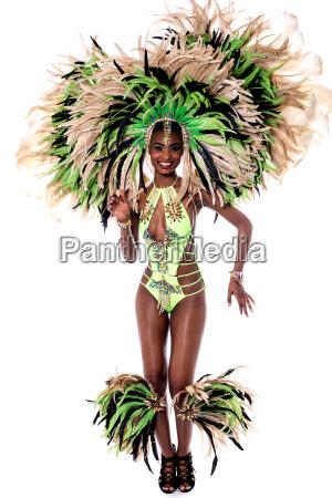 froehliche samba taenzerin