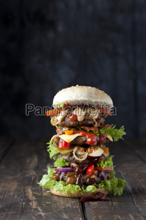 extra grosse hamburger