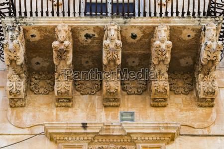paseo viaje detalle historico barroco balcon