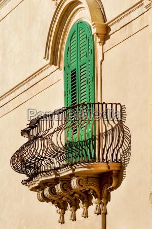 italy sicily noto balcony and green
