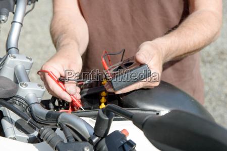 test der motorradbatterie