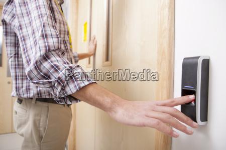 hand finger it tuer erwachsen digital