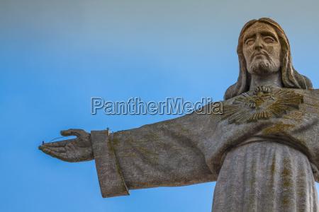 jesus christ denkmal in lissabon portugal