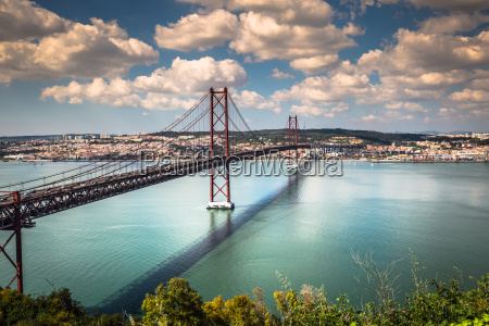 das 25 de abril bridge ist