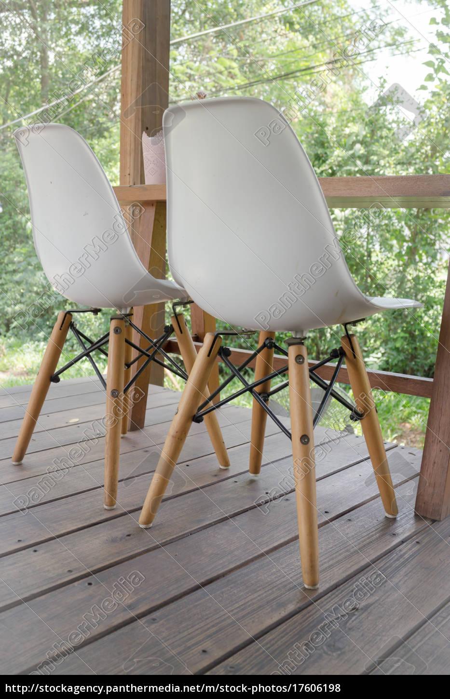 Holztisch Und Moderner Stuhl Stock Photo 17606198 Bildagentur Panthermedia