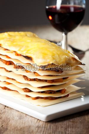 lasagne mit wein