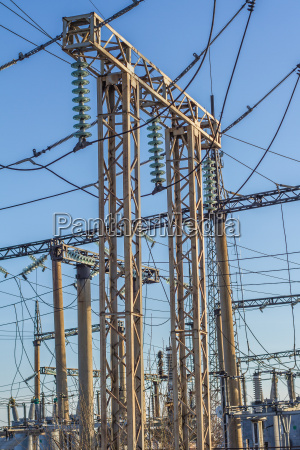 electrical insulator on the wires