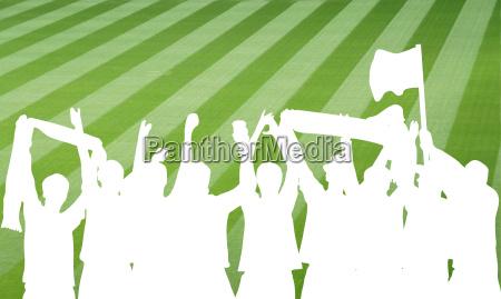 silhouette von fussballfans im stadion
