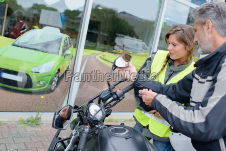 lady preparing for driving lesson on
