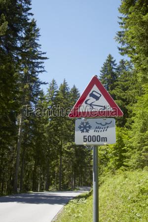 slippery when wet sign upper austria