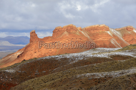 scenic view of red rock cliffs
