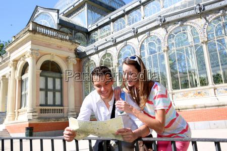 touristen in madrid retiro park von