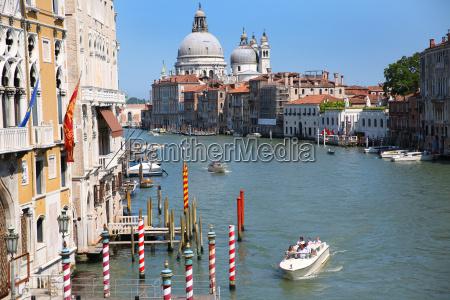 canal grande und die basilika von