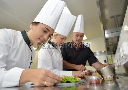 team der jungen koeche feinkost gerichte