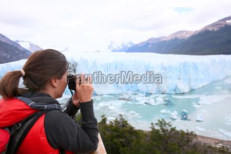 touristische aufnahme des perito moreno gletschers