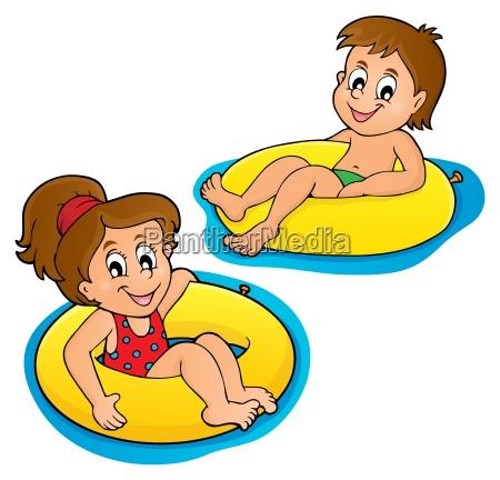 kinder in schwimmringe bild 1