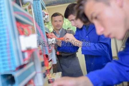 przemysl bran utwor fabryka zaklad produkcyjny