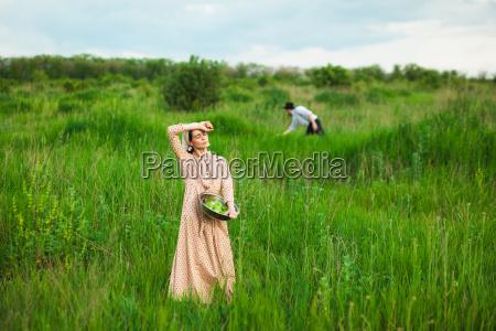 das gesunde landleben die frau auf