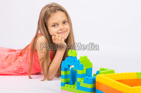 seven year girl builds a house
