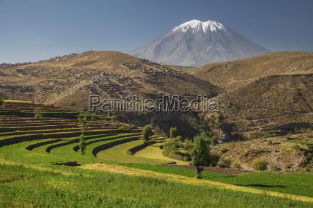 inkas garten und aktiver vulkan misti