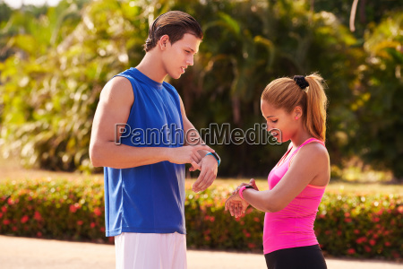 young people sports training fitness fitwatch