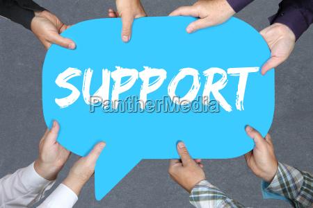 gruppe menschen halten support hilfe unterstuetzung