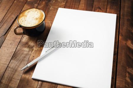 briefpapier kaffeetasse und stift