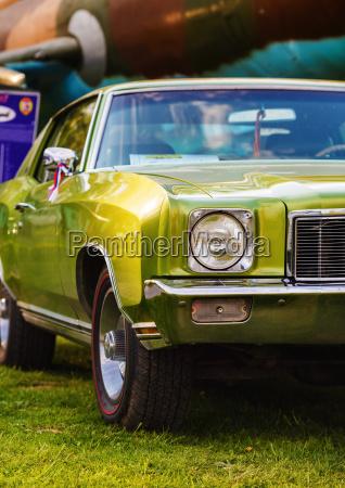 gruenes retro auto