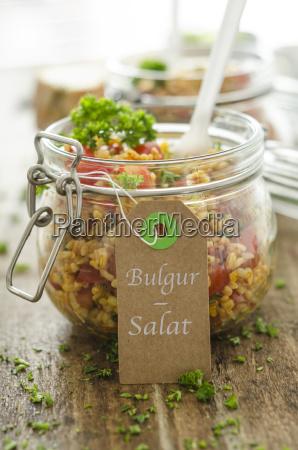 bulgur salat in glas etikett und